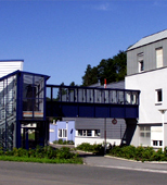 "ARNOLDSTEIN INNOVATION CENTRE is the first location in Carinthia to have an extensive state-of-the-art fibre-optic cable network for exceptionally fast data transmission. There are also plans to create a ""Zukunftslabor"" (""Future Lab"") at the innovation centre, where Carinthian software companies can test applications with large volumes of data"